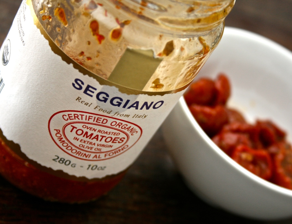 Saftige, søte, økologiske semitørkede tomater. Proppfull av ren smak.