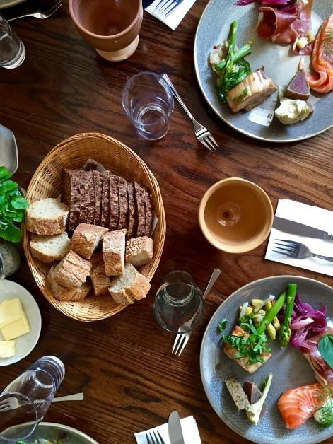 Snapshot: Frokost krydret med middelalder på Esrum Kloster